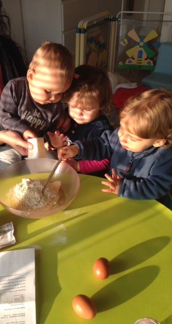 on participe à la réalisation du gâteau de Noé