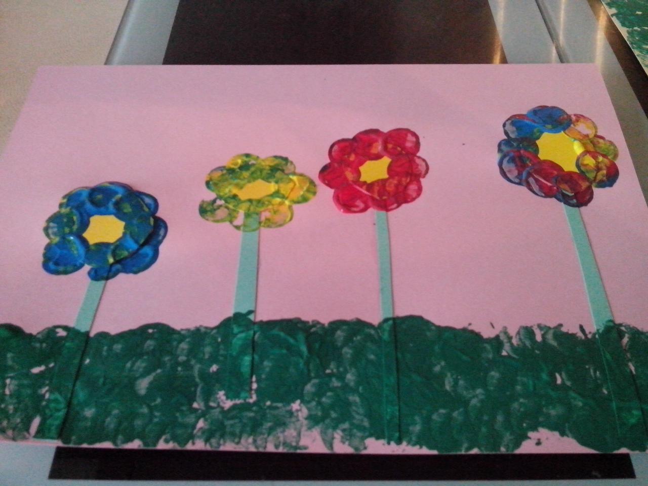 peinture aux bouchons fête des grands mères